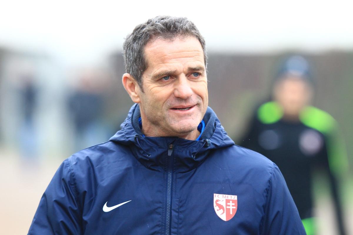Pour Hinschberger, le meilleur entraîneur de Ligue 1 c'est... Gourvennec !
