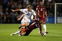 Metz - Laval, 6e journée de Ligue 2  : L\'ancien Messin Franck Signorino tacle sévèrement Yeni Ngbakoto