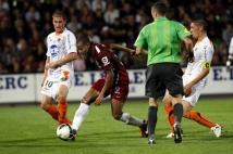 Metz - Laval, 6e journée de Ligue 2  : Mahamane Traore échappe à l\'emprise de Lebouc et Levrat