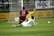 Amiens SC - FC Metz, 31° journée de Ligue 2   : Mathieu Duhamel est à deux doigts d\'inscrire le deuxième but de son équipe.