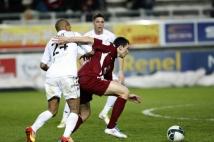 Amiens SC - FC Metz, 31° journée de Ligue 2   : Mathieu Duhamel a eu fort à faire avec des Amiénois qui n\'ont rien lâché non plus.