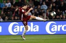 Metz- Monaco, 32° journée de L2  : Mathieu Duhamel reprend superbement de volée ce bon ballon. Mais ce ne sera pas cadré.