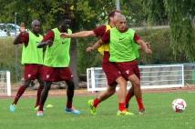 Reprise de l'entraînement   : Ahmed Kashi balle au pied